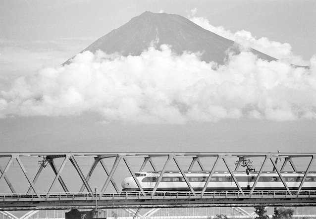 on-its-way-to-osaka-the-train-zoomed-past-mount-fuji